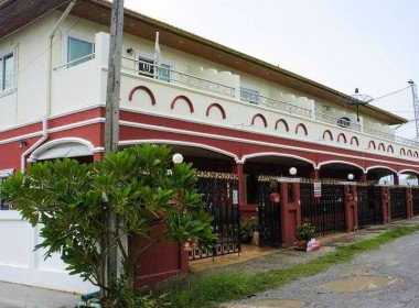 Five townhouse for sale in Hua Hin Front