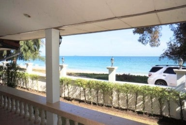 Beachfront house for sale in Hua Hin sea view