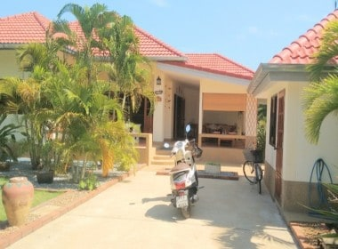 Cheap house in Hua Hin for sale front