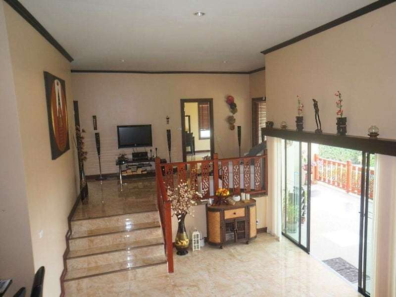 4 bedroom house for sale in Hua Hin living