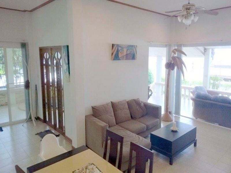 Beachfront house for sale in Hua Hin lounge