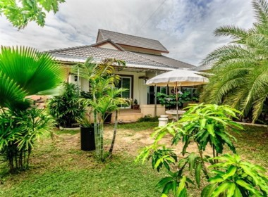 Villa for sale with tropical garden in Hua Hin garden