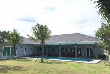 Large Hua Hin villa for Sale garden pool