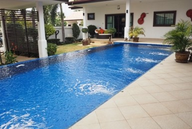 Nature Valley Hua Hin pool villa for sale pool 2