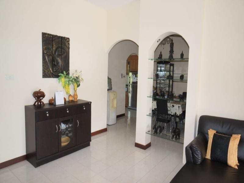 Cheap swimming pool villa for sale in Hua Hin dining