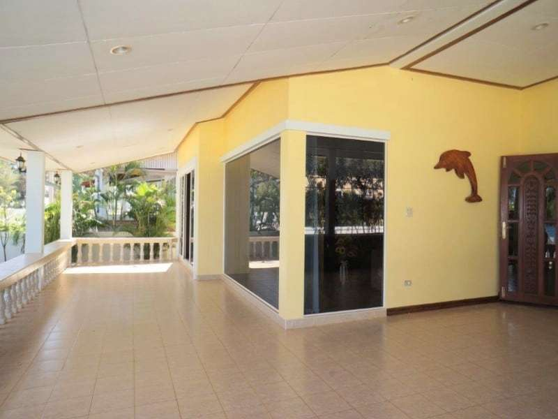 Beachfront house for sale in Hua Hin front porch