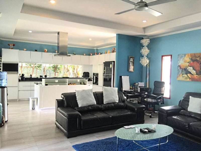 Upgraded swimming pool home in Hua Hin for sale living