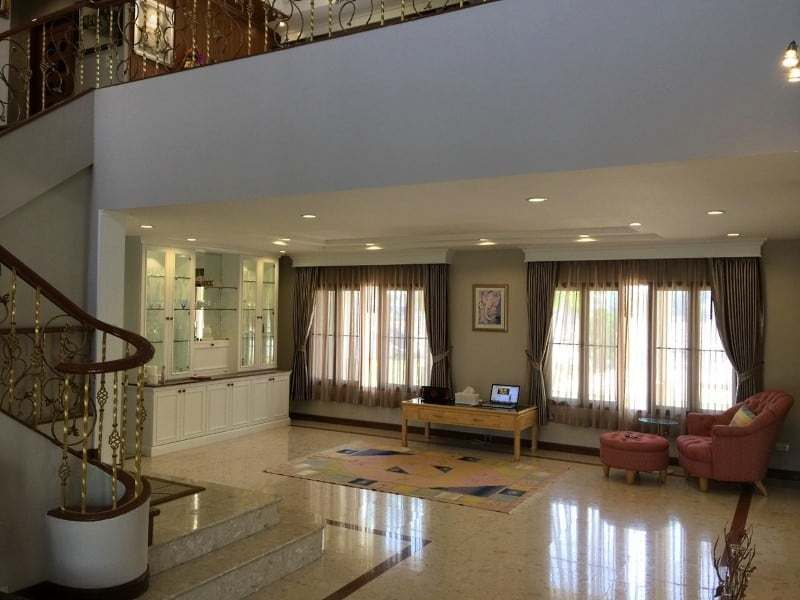 Lake view house for sale in Hua Hin entrance