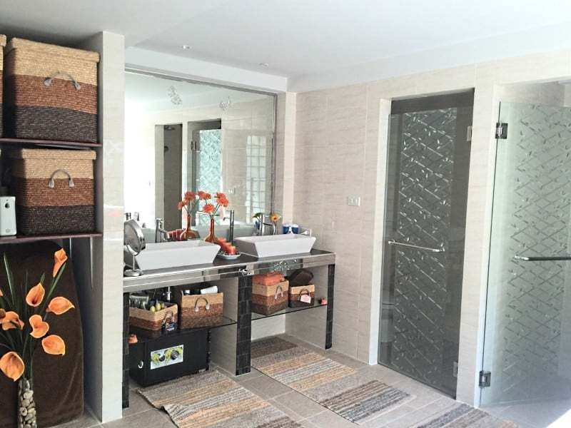 Upgraded swimming pool home in Hua Hin for sale bathroom