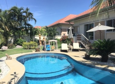 Pool villa in Hua Hin for sale pool view