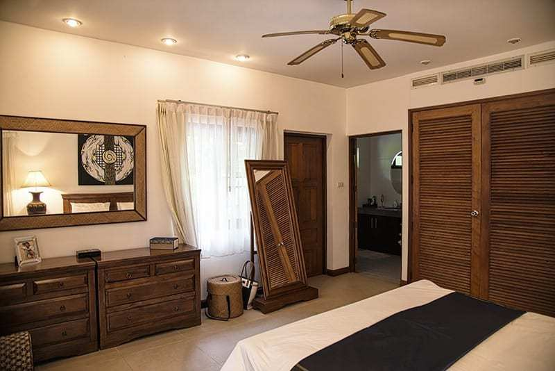 House for sale Hua Hin with pool master bed
