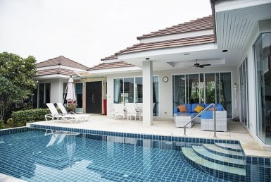 Modern pool villa for sale in Hua Hin front