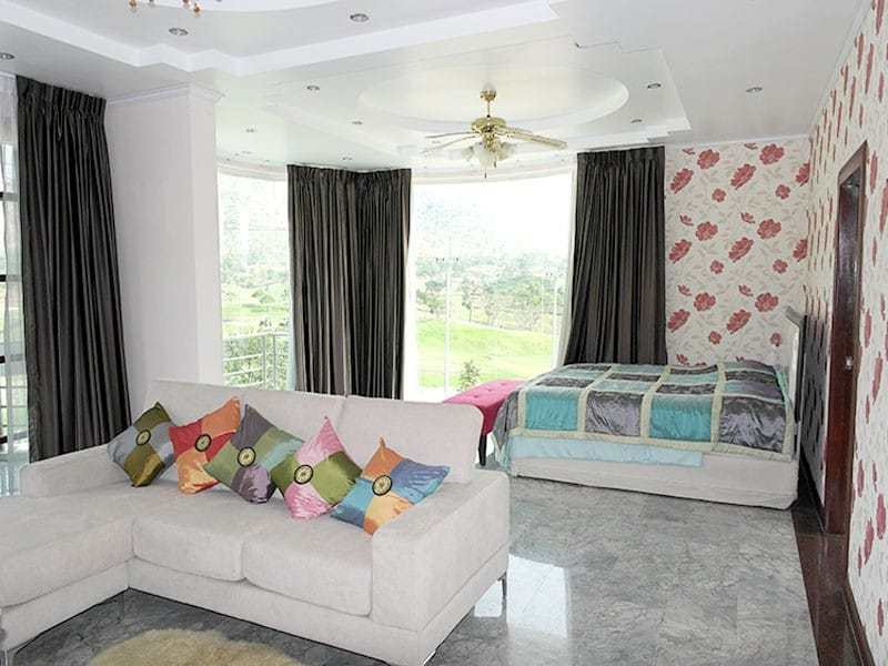 Large two storey house for sale in Hua Hin master bedroom