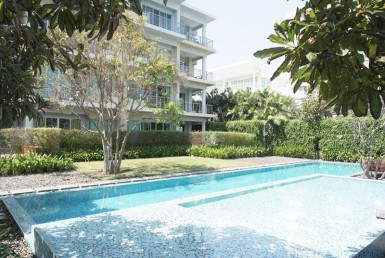 Seaview condo in Hua Hin for sale