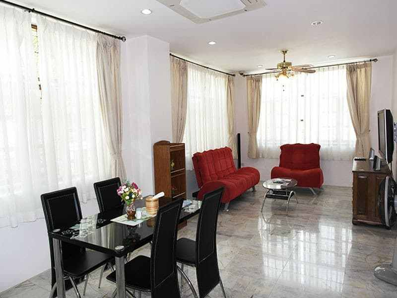 House for sale in the center of Hua Hin living area