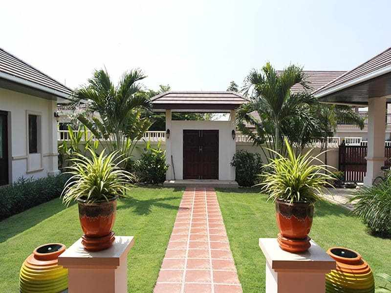 High quality home for sale in Hua Hin Thailand garden