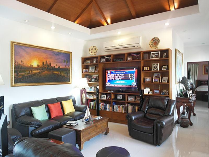 High quality home for sale in Hua Hin Thailand lounge