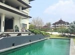 Massive condo for sale in Hua Hin Pool