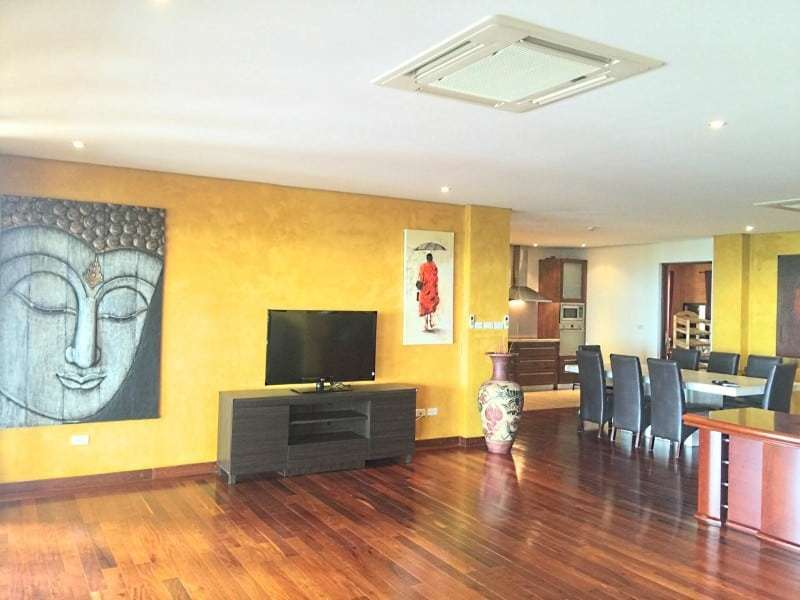 Massive condo for sale in Hua Hin dining