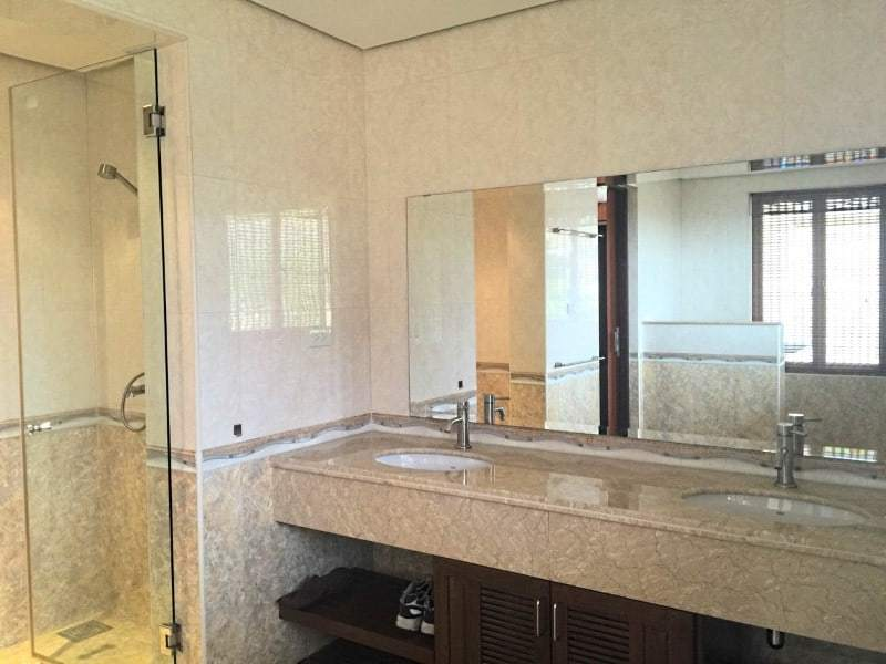 Massive condo for sale in Hua Hin en suite