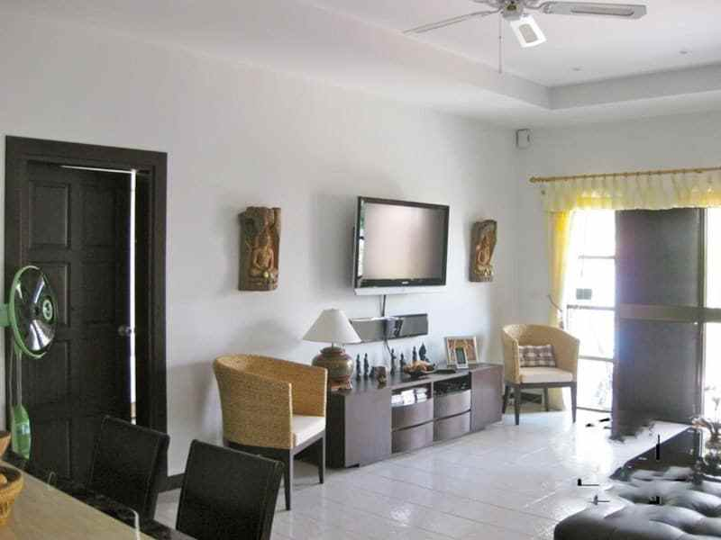 Small pool vila for sale in Hua Hin lounge