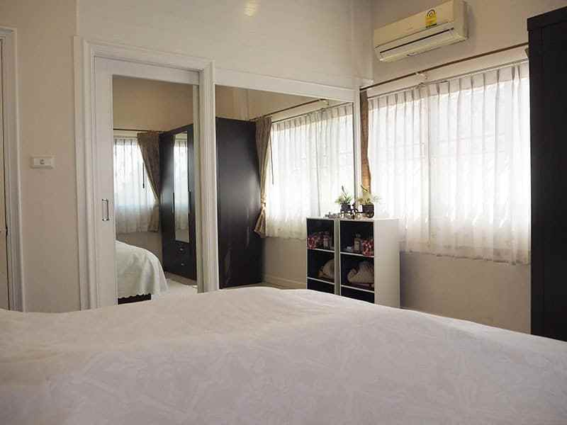 Home for sale in Hua Hin Thailand closet