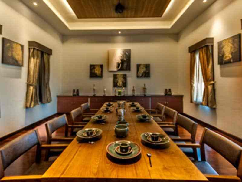 Luxury golf course villa for sale in Hua Hin dining room