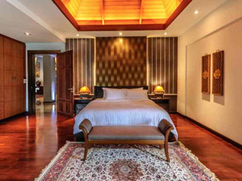 Luxury golf course villa for sale in Hua Hin master suite