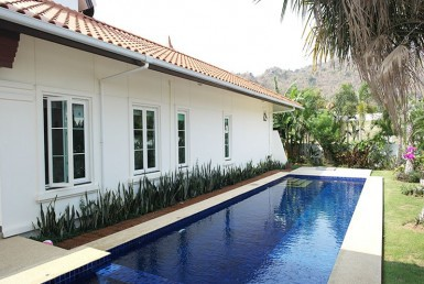 Banyan pool villa for sale in Hua Hin Thailand garden view