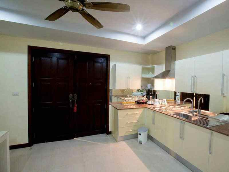 Huge Hua Hin villa for sale large pool kitchen