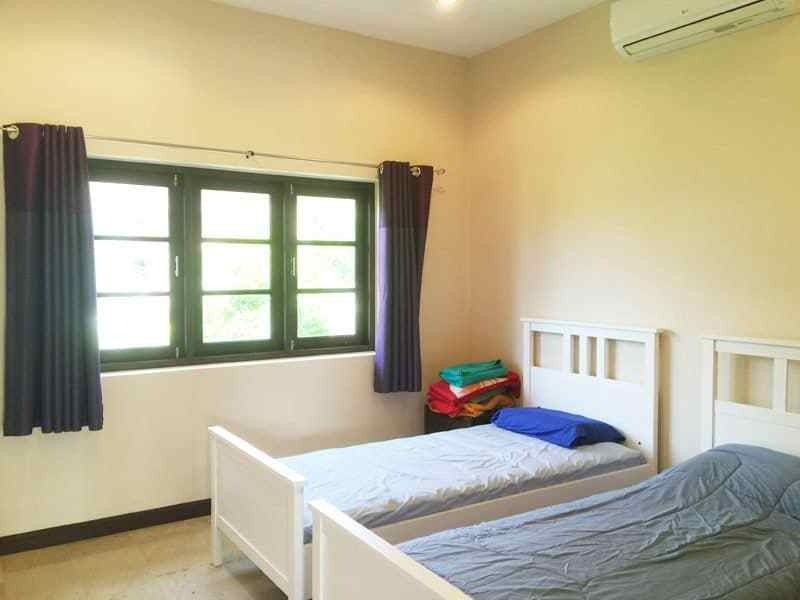Pool villa for sale in Hua Hin close to Black Mountain twin room