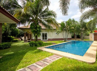 Spacious house for sale Hua Hin Pool and Garden