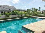 Pool villa for sale in Hua Hin close to Black Mountain palm trees
