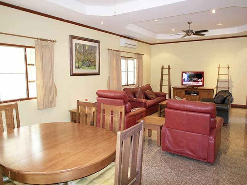 Tropical pool villa for sale in Hua Hin dining