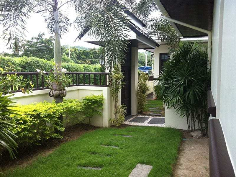 Palm Hills Hua Hin villa for sale garden