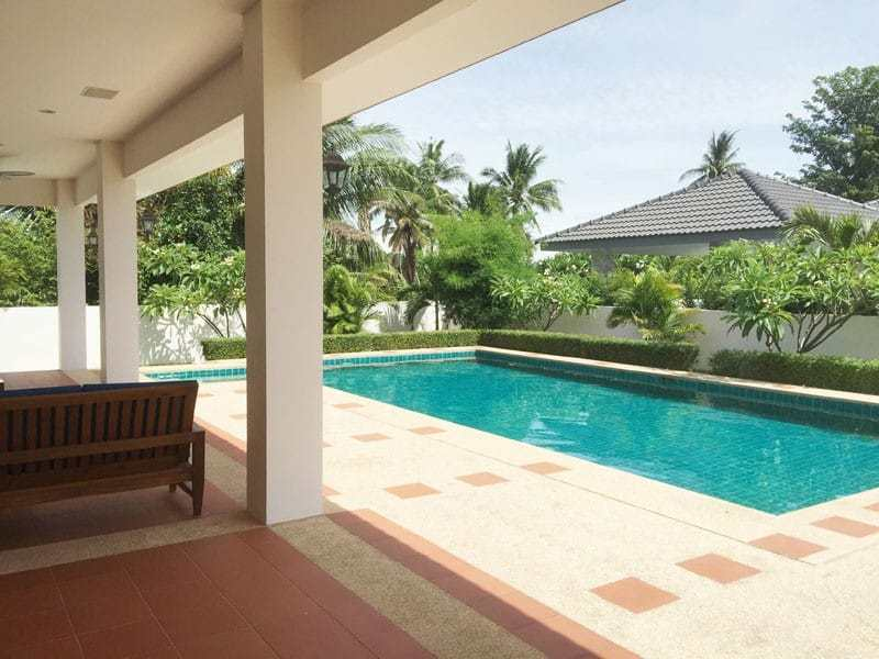 Pool villa for sale in Hua Hin close to Black Mountain swimming pool