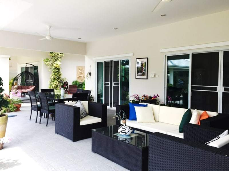 Hua Hin Avenue Gold villa for sale terrace