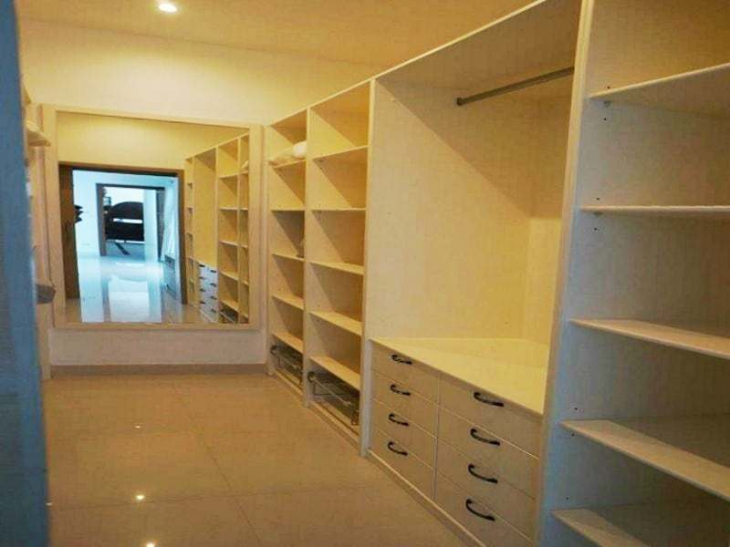 Private pool property for sale Hua Hin walk in closet