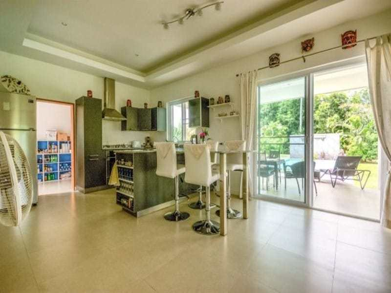 Modern villa with pool for sale dining