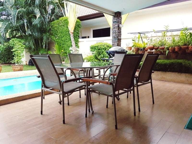 Mature Hua Hin house for sale terrace