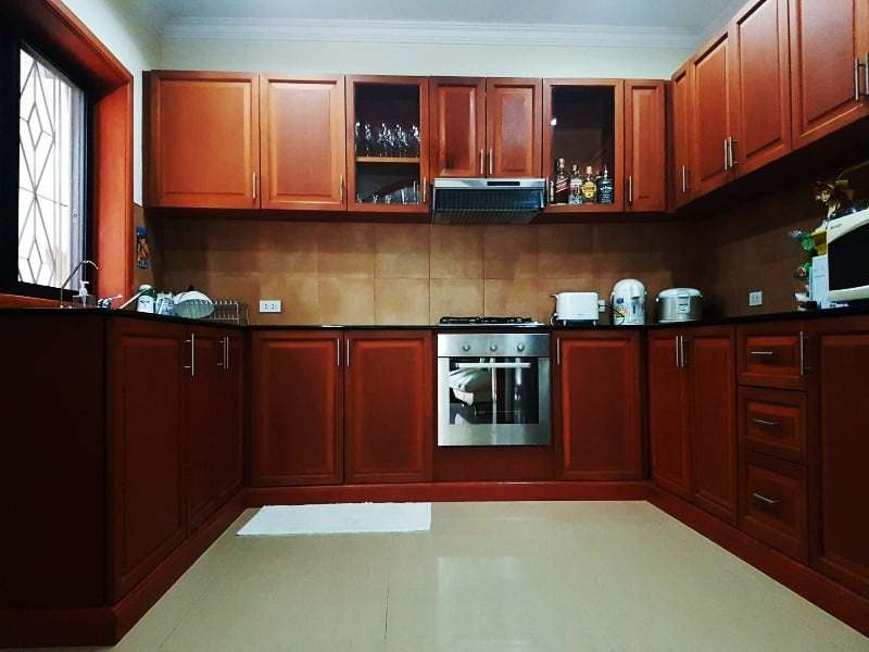 Mature Hua Hin house for sale fitted kitchen