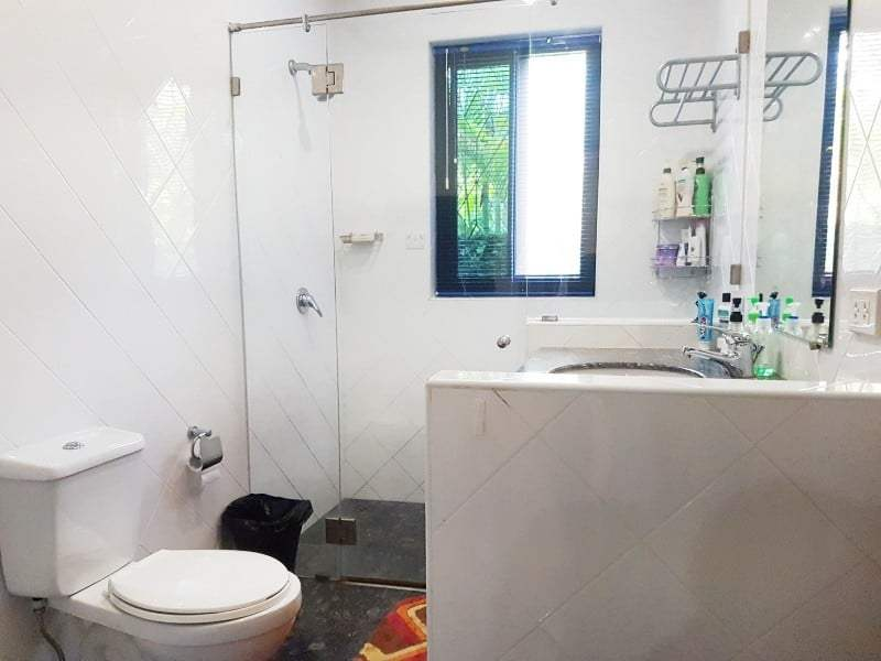 Mature Hua Hin house for sale bathroom