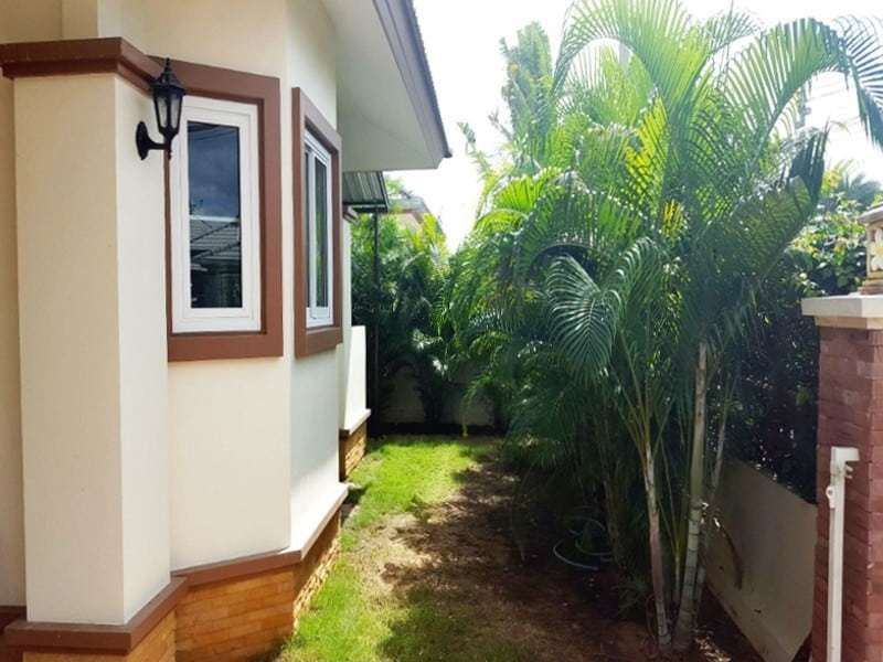 Low priced Hua Hin property for sale palm trees