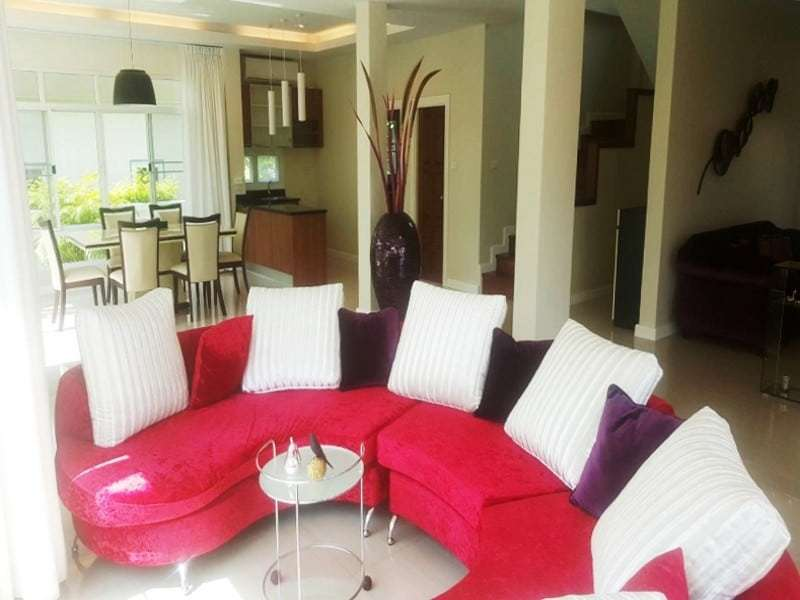 Modern townhouse Hua Hin for sale dining