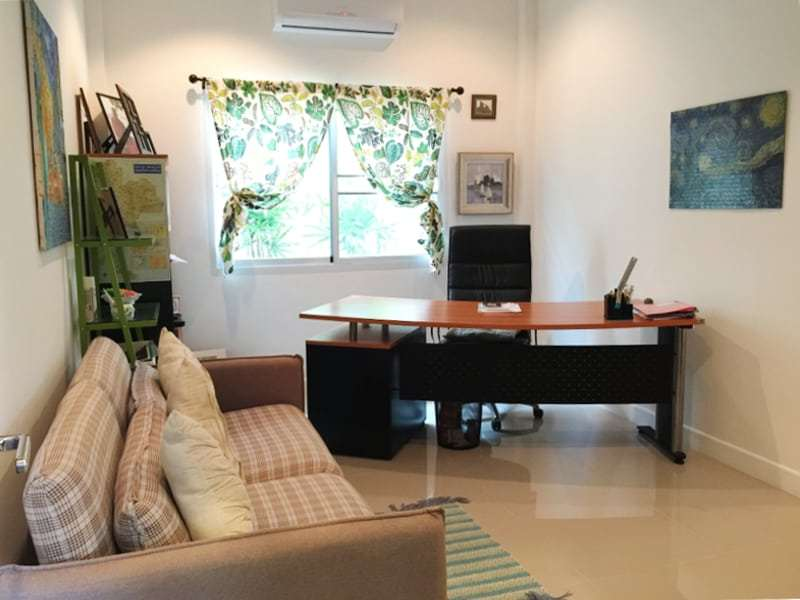 Hua Hin Avenue Gold villa for sale home office