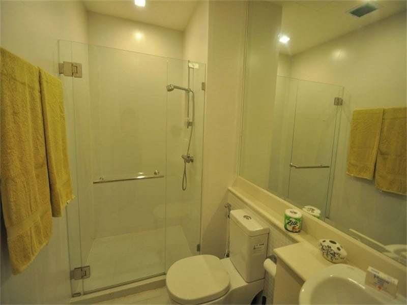 Hua Hin Seacraze apartment for sale best price - bathroom