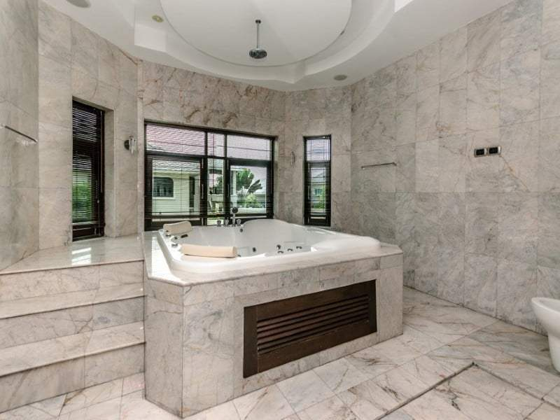 Home for sale next to Black Mountain Golf jacuzzi