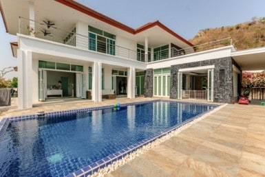 Ultra modern Hua Hin property for sale pool view