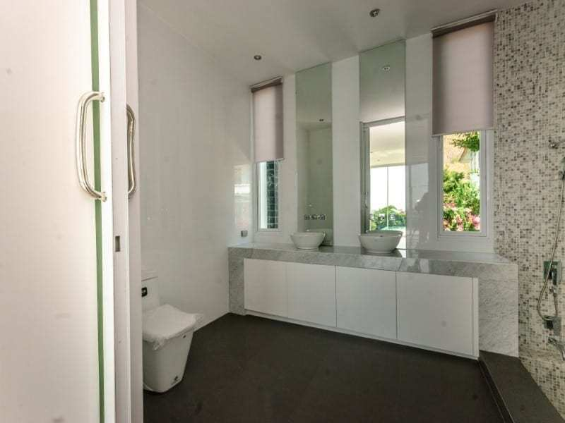 Sea view villa for sale Phu Montra Hua Hin bathroom