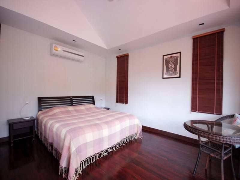 Stunning golf course villa Hua Hin for sale main bedroom